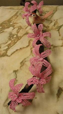 Перевод, комментарии и фото мои. розовый бисер 11/о - 30гр; - 32-40 белые бисеринки 10/о; - фиолетовые или сиреневые...