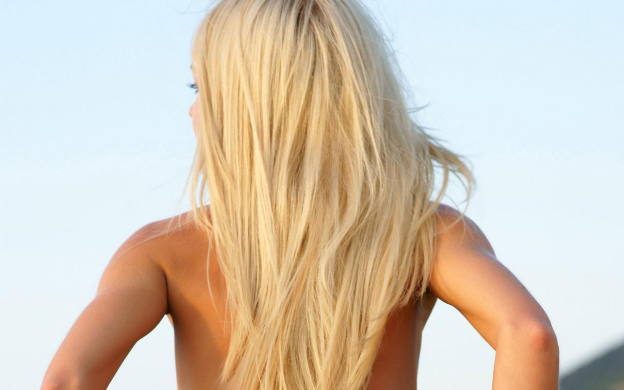 Красивые блондинок сзади на аву