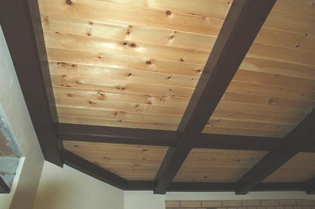Потолок из имитации бруса своими руками 67