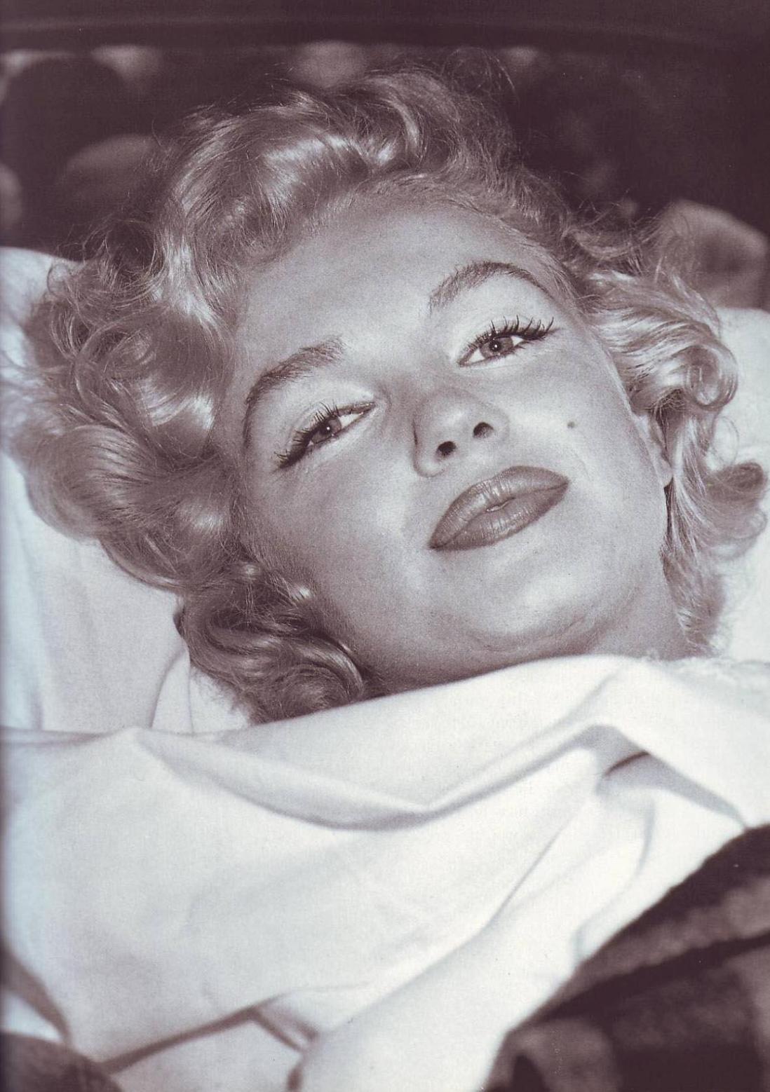 Danamos Marilyn Monroe Pages Autopsy Autopsy photo of marilyn monroe