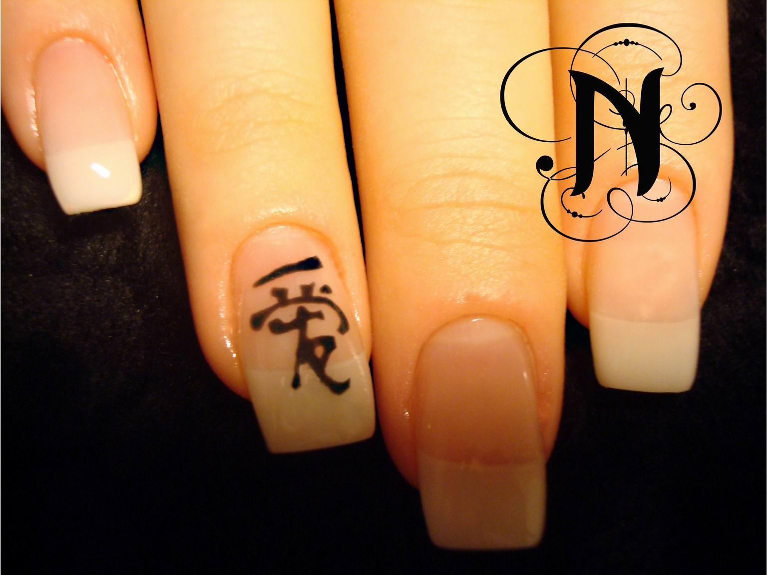 Красивые иероглифы на ногтях фото