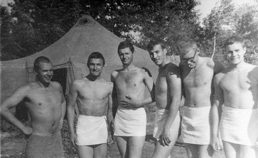 Военный лагерь, 1970